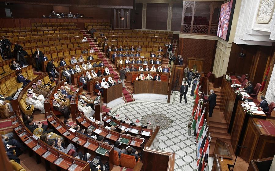 رئيس برلمان يطالب بالتحفظ على هاتف نائب بسبب تصويره الجلسة العامة