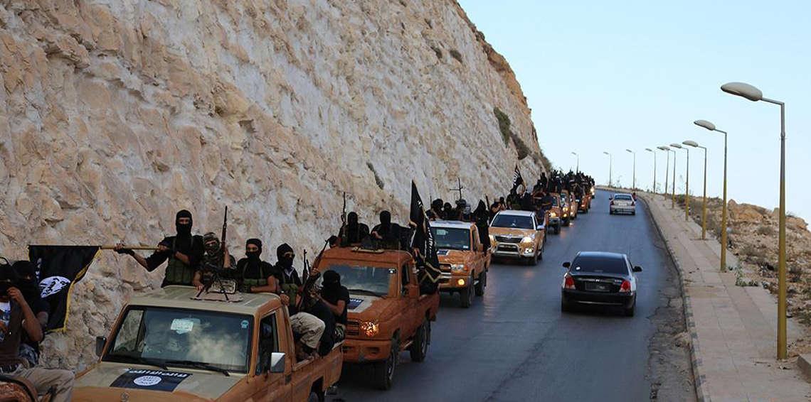 داعش تحتجز 700 رهينة بينهم أوروبيين وأمريكيين جنوبي نهر الفرات