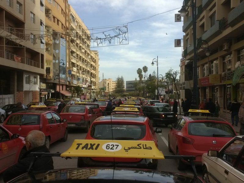 احتجاجات سيارات الأجرة بالبيضاء تعود من جديد