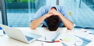 الجلوس بالعمل لمدة 9 ساعات يوميا يُعرِّضك لأمراض القلب حتى مع ممارسة الرياضة
