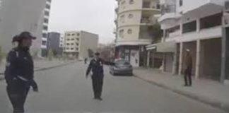 بالفيديو.. كاميرا مثبتة على سيارة تتسبب في توقيف شرطية.. والمديرية العامة تعيد للسائق ثمن المخالفة