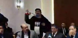 بالفيديو.. التجرؤ على الكوفية الفلسطينية يربك افتتاح يوم دراسي بالبرلمان
