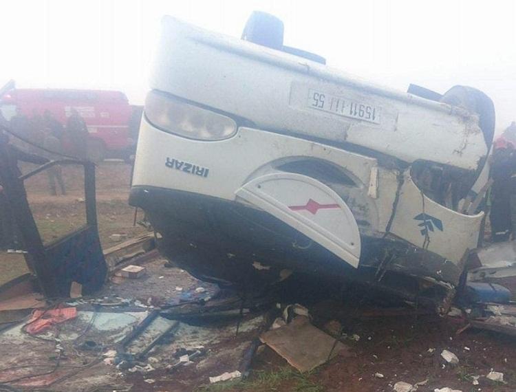 صور.. إصابة 30 شخصا إثر انقلاب حافلة للركاب نواحي آسفي
