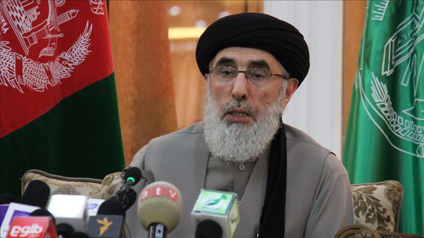 حكمتيار: قصف الجيش الأفغاني لمدرسة قندوز جريمة حرب