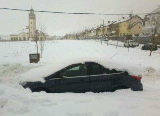 الثلج في إفران