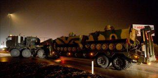 بالفيديو.. تعزيزات عسكرية تركية جديدة تصل المنطقة الحدودية مع سوريا