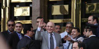 """مصر.. إيقاف مؤقت لإعلامي """"تجاوز بحق"""" منافس السيسي بالرئاسيات"""