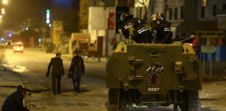 حملة تونسية: أكثر من ألف موقوف خلال التحركات الاجتماعية منذ مطلع يناير