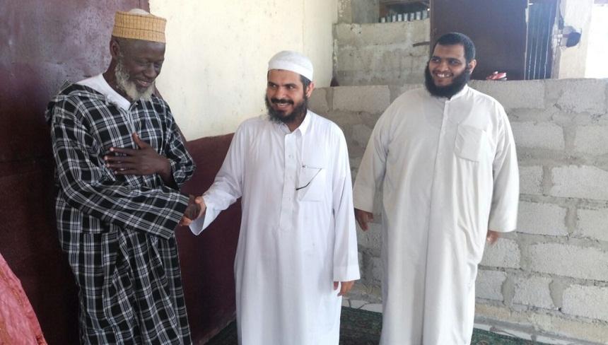 بالصور والفيديو.. اغتيال الداعية السعودي الشيخ عبد العزيز التويجري في غينيا بالرصاص
