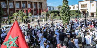 بالصور.. أطباء القطاع العام بالمغرب ينظمون مسيرة وطنية بالرباط رافعين لافتات الرقم الاستدلالي 509
