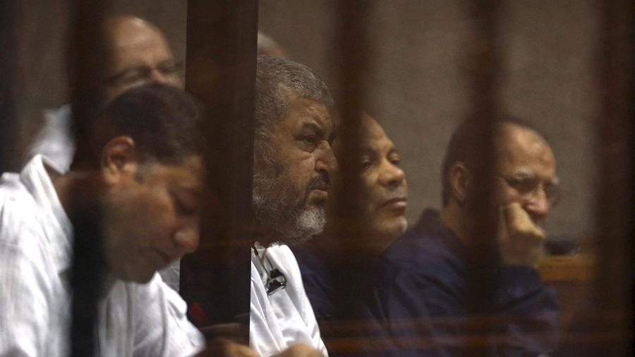 """القاهرة.. حبس ابنة """"الشاطر"""" ومحامية بارزة"""