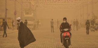 عاصفة رملية تغلق المدارس في محافظة خوزستان بإيران