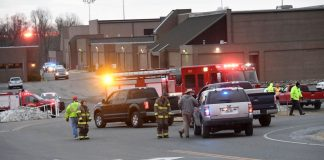 الشرطة الأمريكية: مقتل 17 شخصا في حادث إطلاق نار بمدرسة في فلوريدا (فيديو)