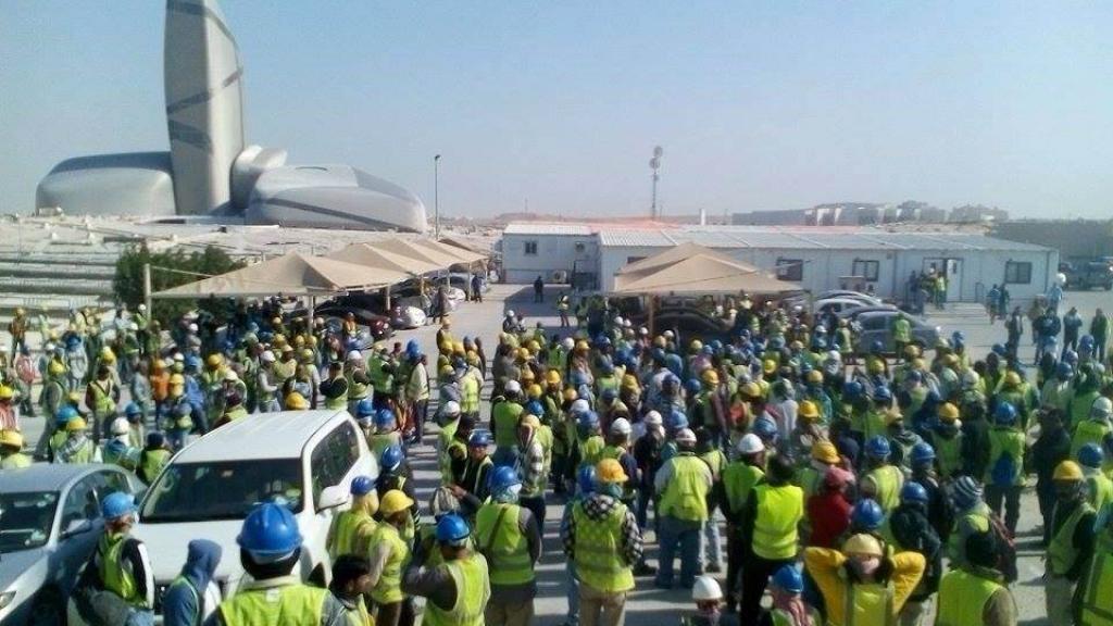 مئات المغاربة الذين تم ترحيلهم من السعودية دون تسديد مستحقاتهم يطالبون المغرب بالتدخل