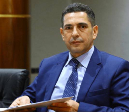"""وزير التربية الوطنية يطارد """"لصوص"""" التموين"""