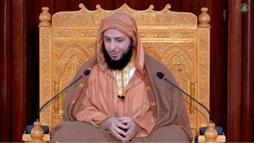 """فيديو.. نكتتان لطيفتان في حروف """"لا إله إلا الله"""" - الشيخ سعيد الكملي"""
