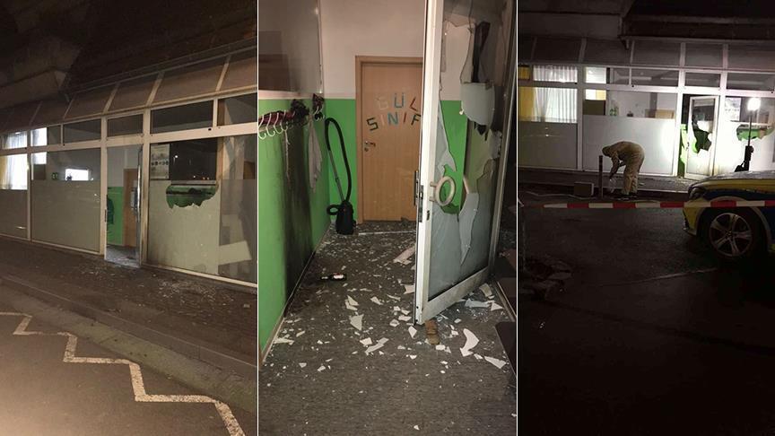 فيديو.. جماعات إرهابية متطرفة تحرق أكثر من مسجد في ألمانيا