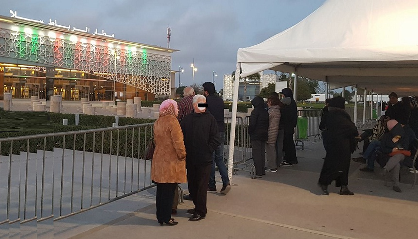 عادل بنحمزة ينتقد منع المواطنين المستقبلين لذويهم من دخول المطارات: أرواح الناس أهم من البنايات