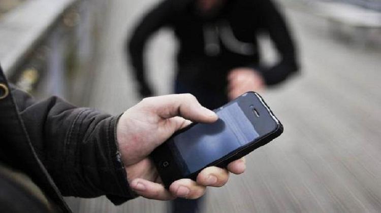 اعتقال مجرمين تخصصا في سرقة الهواتف المحمولة بمحطات الطرامواي سلا-الرباط
