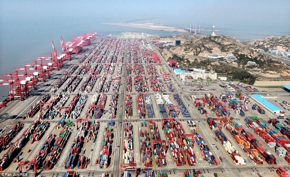 """المغرب ينشد قيادة التجارة البحرية الإفريقية عبر ميناء """"طنجة"""" الجديد"""