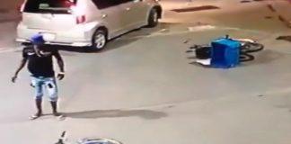 فيديو.. دراجة نارية تقسم إلى شطرين، وصاحبها لم يفهم ما وقع!!