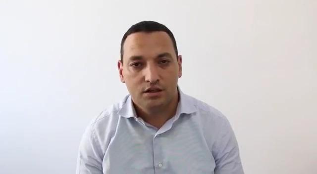 بالفيديو.. اعتذار باهت وبشكل شخصي لمدير سنطرال الذي وصف المقاطِعين بالخونة!!