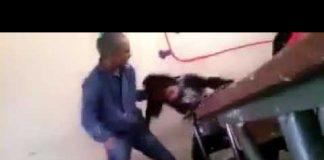 """فيديو.. الأستاذ الذي ضرب تلميذته بطريقة سادية وجرها من شعرها ووصفها بـ""""العاهرة"""" وتم توقيفه اليوم"""