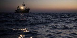 الاتحاد الأوروبي يطالب إيطاليا ومالطا بإغاثة 600 لاجئ في البحر