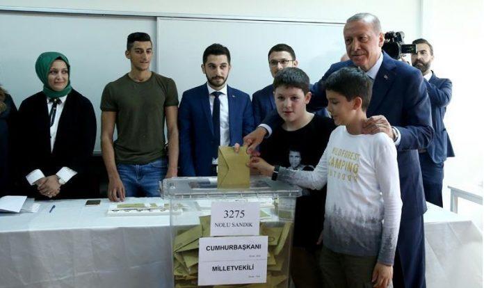 أردوغان: نسبة المشاركة الشعبية في الانتخابات