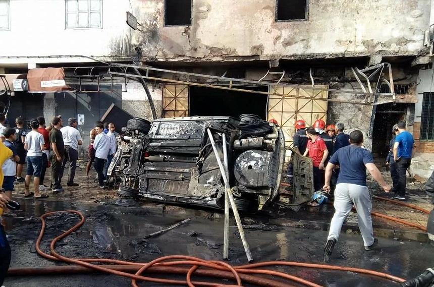 """بالصور.. حريق مهول يأتي على محل كامل لبيع """"البونج"""" بمدينة سلا"""