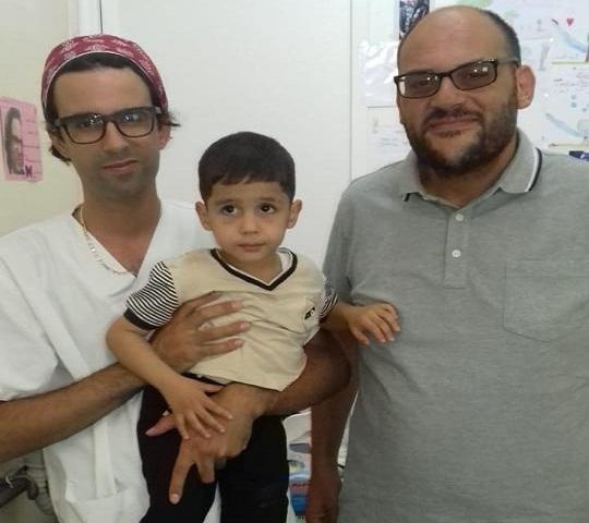 قصة طفل أنقذه الله بالدكتور المهدي الشفعي من مجزرة من يتاجر بأجساد الناس