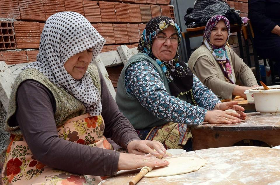 تركيا تصرف راتبا شهريا لكل جدة ترعى أحفادها
