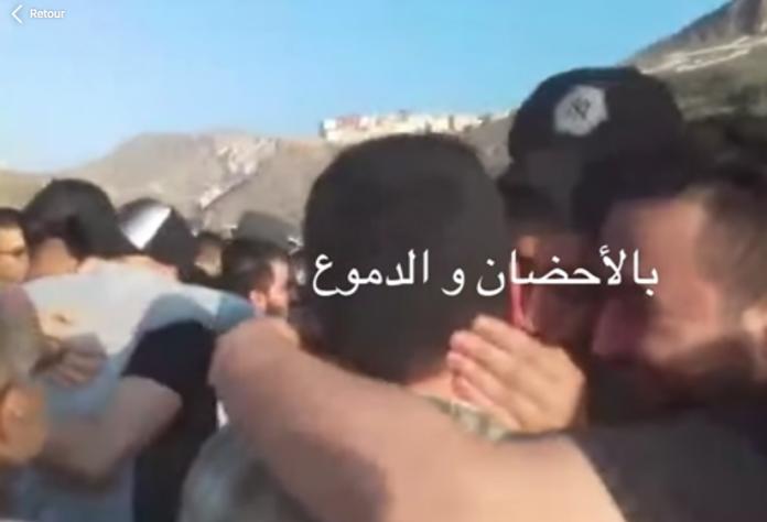 """فيديو.. لحظة استقبال معتقلي """"حراك الريف"""" صباح اليوم بالحسيمة"""