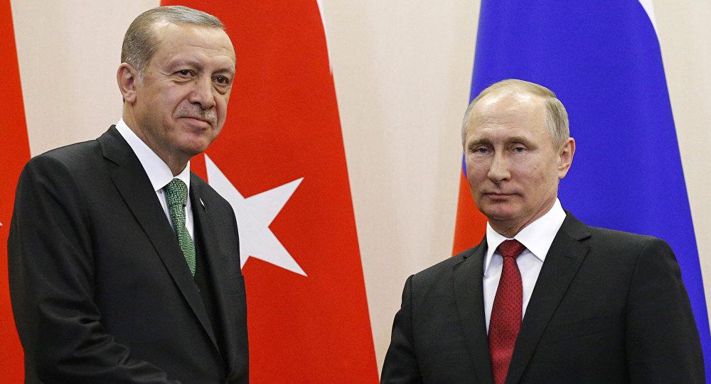 أردوغان وبوتين يبحثان الأزمة الليبية