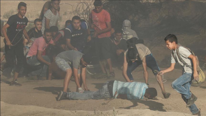 تشييع جثمان فتى قتله الجيش الإسرائيلي قرب حدود غزة