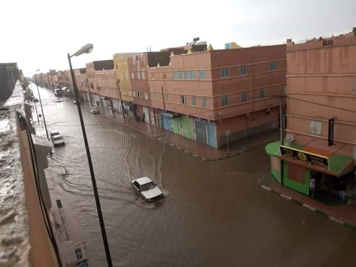 أمطار غزيرة تغرق شوارع مدينة گلميم