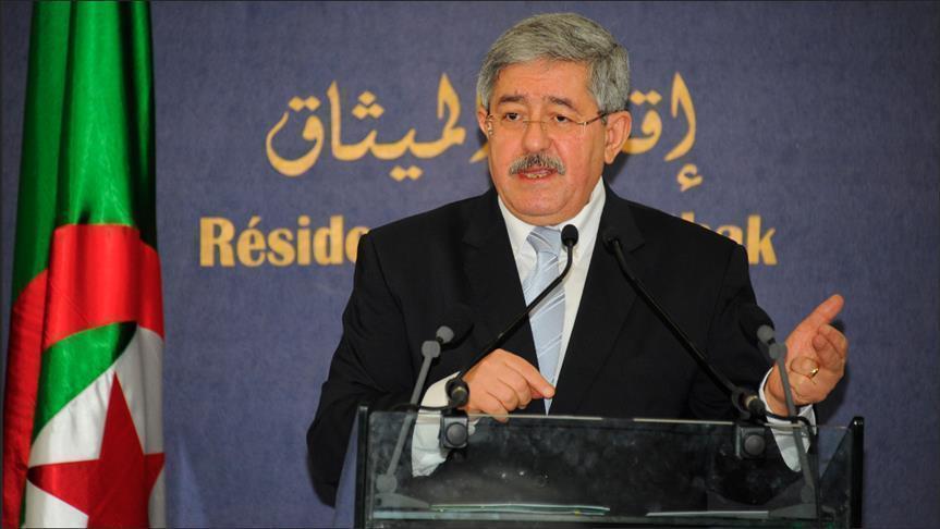 """رئيس الوزراء الجزائري السابق يمثل أمام القضاء في """"ملف فساد"""""""