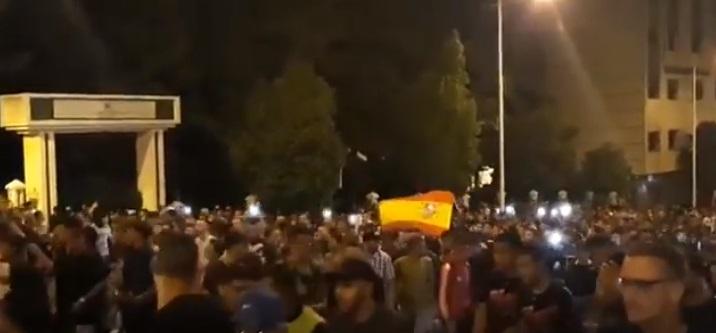 اعتقالات وتهم بإهانات المقدسات في صفوف المحتجين على مقتل حياة بينهم قاصرين