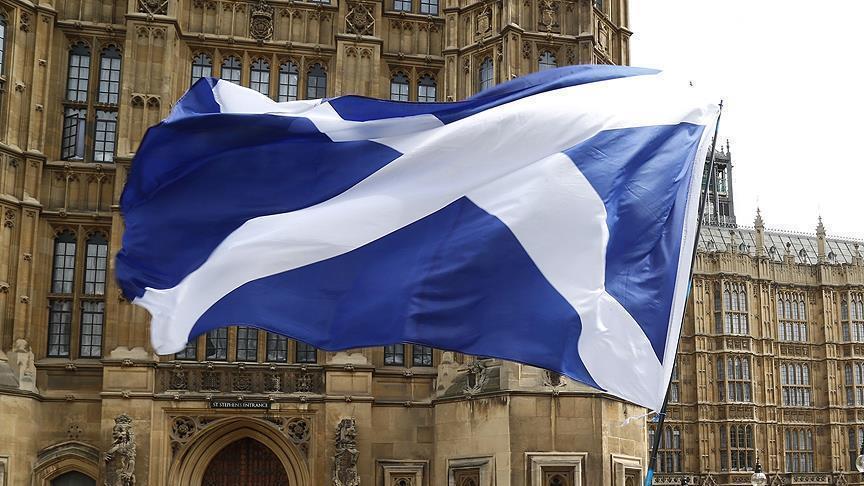التحقيق مع رئيس حكومة اسكتلندا السابق لاتهامه بالتحرش الجنسي