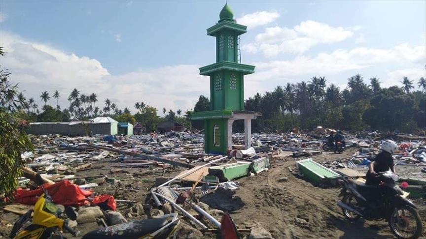 ارتفاع عدد ضحايا تسونامي إندونيسيا إلى ألفين و91 شخصًا