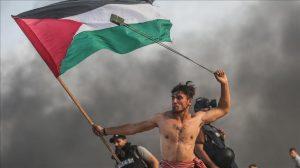 صورة.. معنى المواجهة بالصدور العارية تجده في غزة
