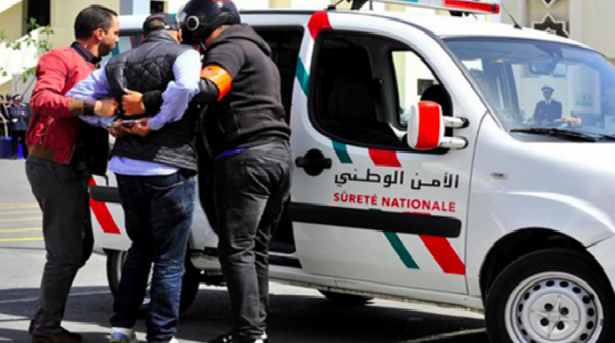 عناصر شرطة تلقوا رشاوى وارتكبوا خروقات خطيرة أثناء نقلهم لسجين نرويجي