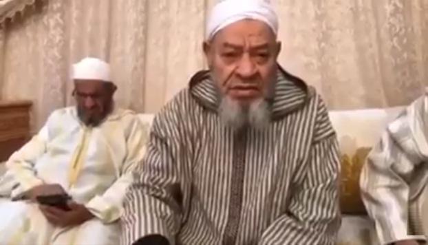 فيديو.. عبد الهادي بلخياط ينشد حول التعلق بالدنيا وصحوة الضمير
