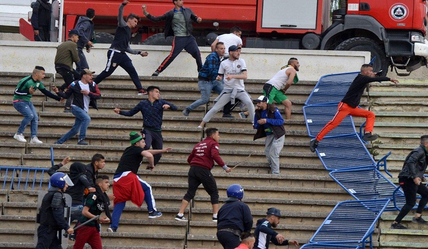 إصابة 40 شخصا في أحداث عنف خلال مباراة لكرة القدم بالجزائر