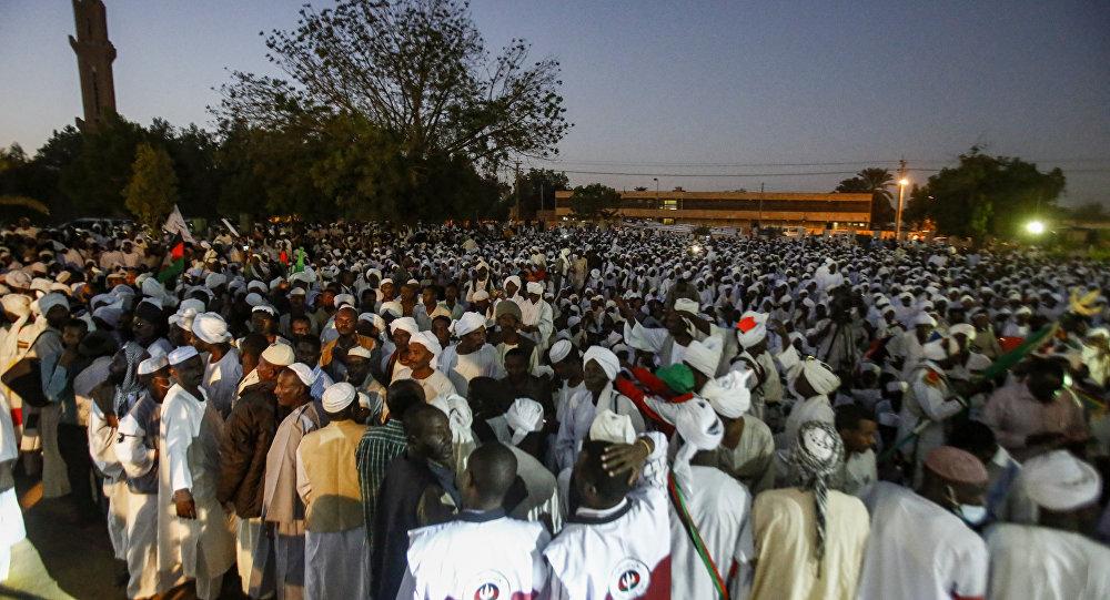 الاتحاد الإفريقي يؤكد ضرورة توافق السودانيين على المرحلة الانتقالية