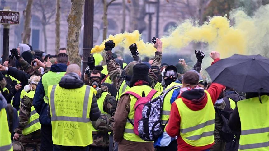 """مواجهات بين الشرطة و""""السترات الصفراء"""" في باريس"""