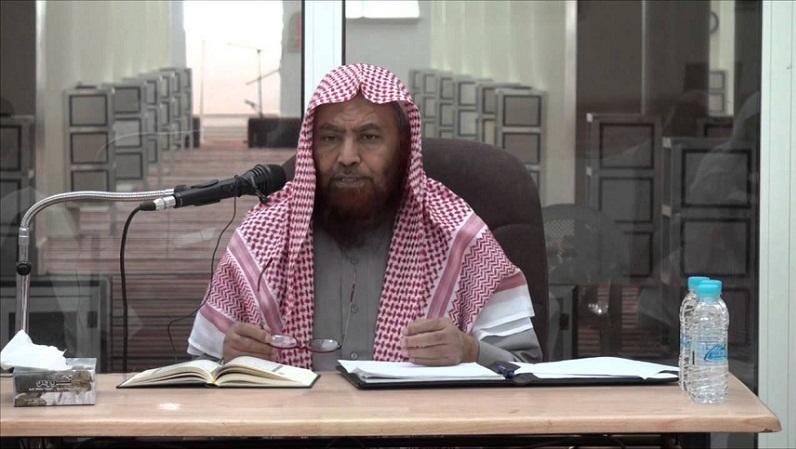 """رابطة علماء المسلمين تنعى الشيخ السعودي أحمد العماري الذي توفي بعد الإفراج عنه و""""موته دماغيا"""""""