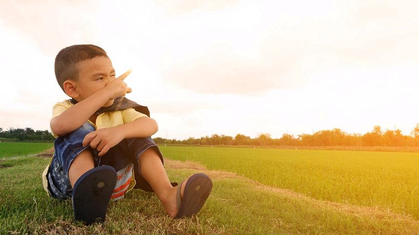 هل يتجاهل طفلك ما تقول؟ إليك وسائل التعامل مع عصيان الأطفال