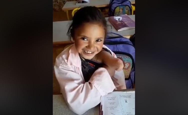 بالفيديو.. الطفلة خديجة تناشد المحسنين لتتمكن من وضع يد صناعية تساعدها على الحركة والدراسة