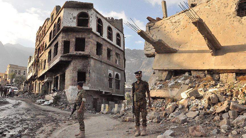 """حكومة اليمن: استهداف الحوثيين لقاعدة العند """"تحد"""" للمجتمع الدولي"""